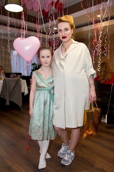 Валерия Гай Германика с дочерью.